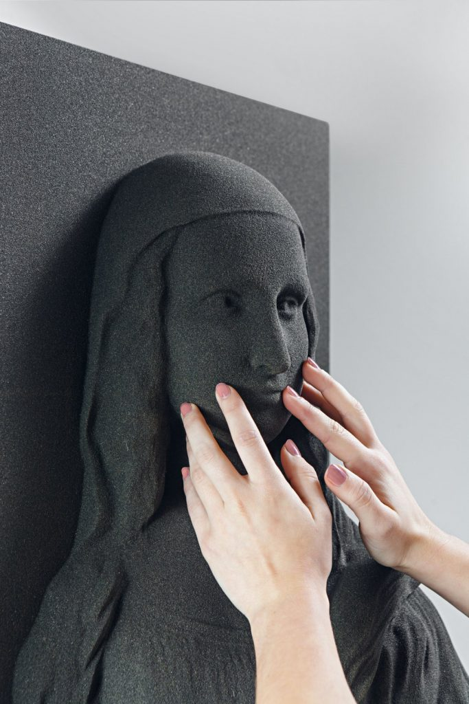 Mona Lisa impresa en 3D. Arte en la punta de los dedos.